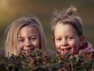 二重まぶたにする方法 子供 自力 簡単 効果